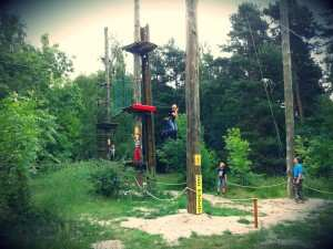 W gdańskim parku linowym znajdziesz mnóstwo atrakcji dla dzieci